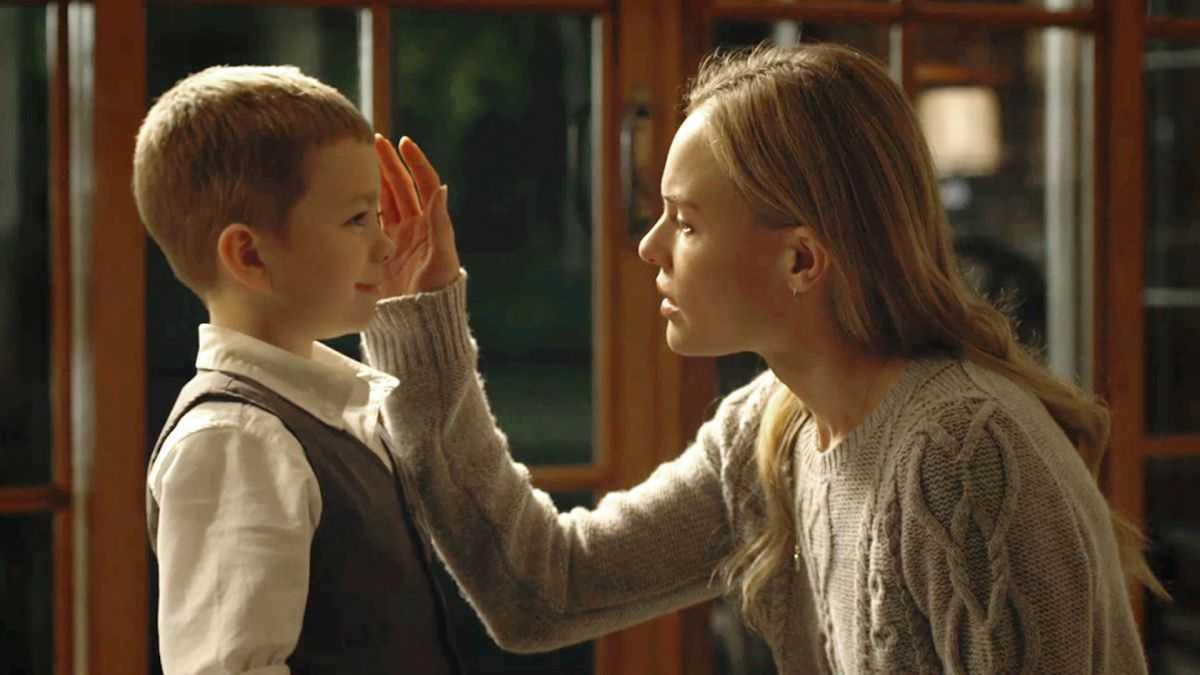 Kate Bosworth, Jacob Tremblay in Before I Wake (2016)