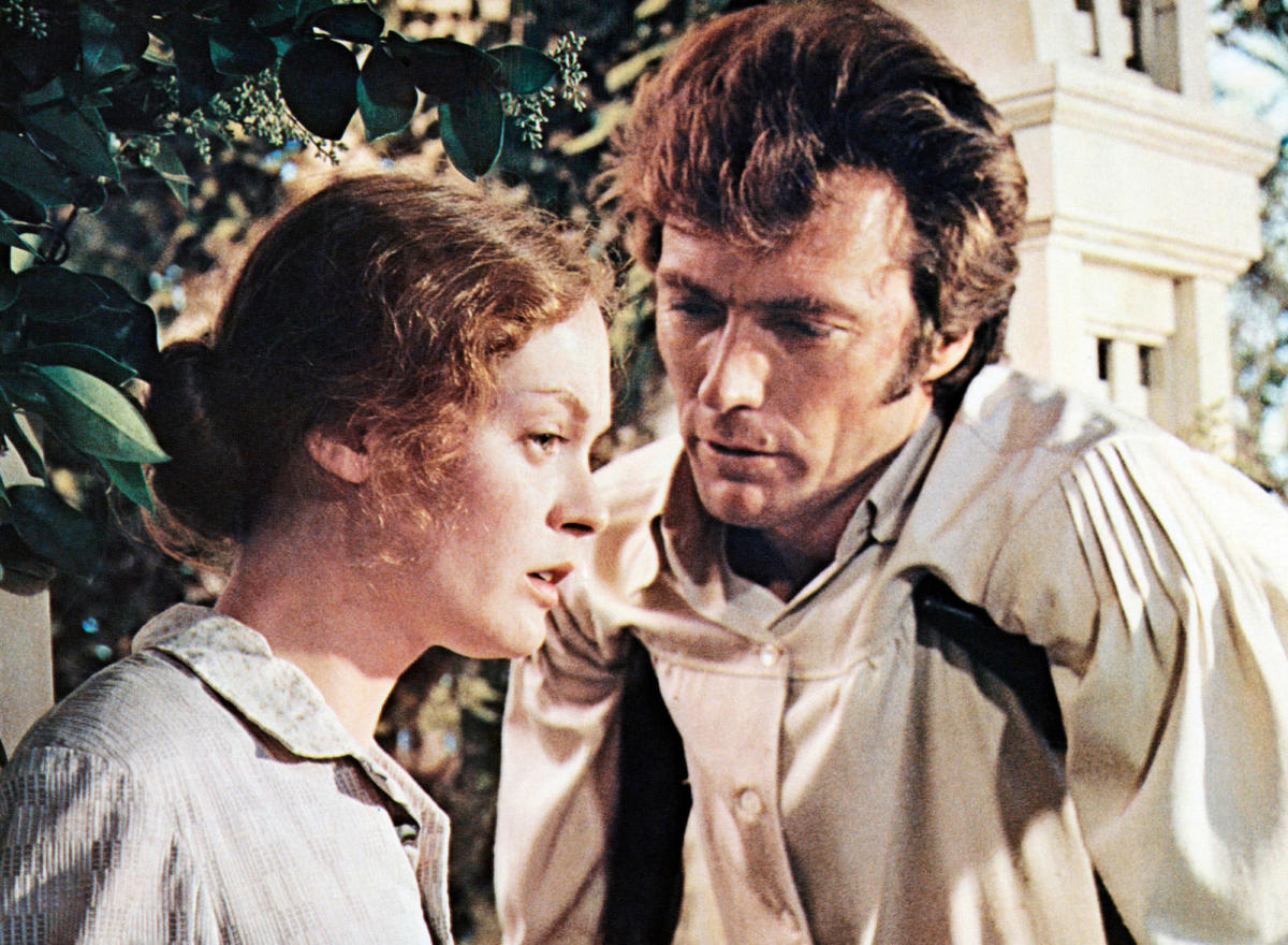 Wounded Northern soldier Clint Eastwood manipulates the emotions of Southern schoolteacher Elizabeth Hartman in The Beguiled (1971)