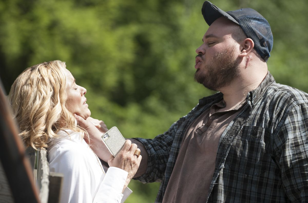 The Big Driver (Will Harris) threatens Maria Bello