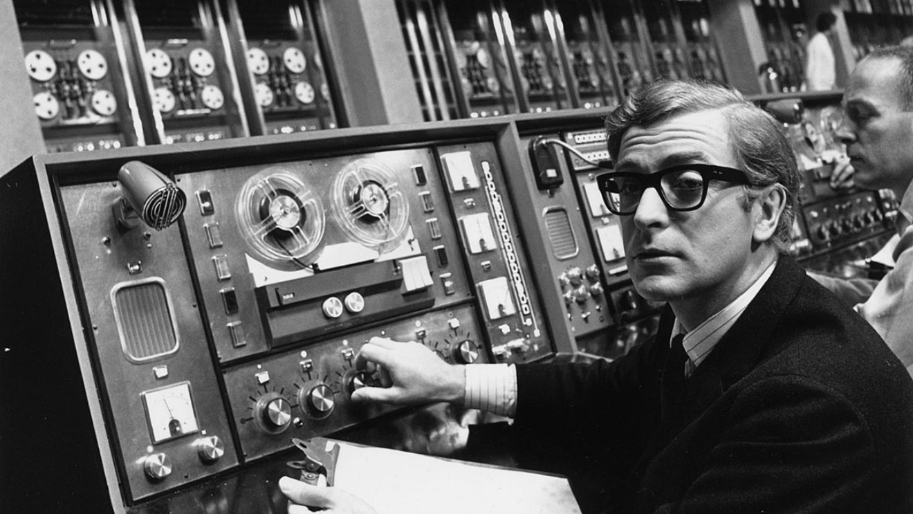 Michael Caine with the computer in Billion Dollar Brain (1967)