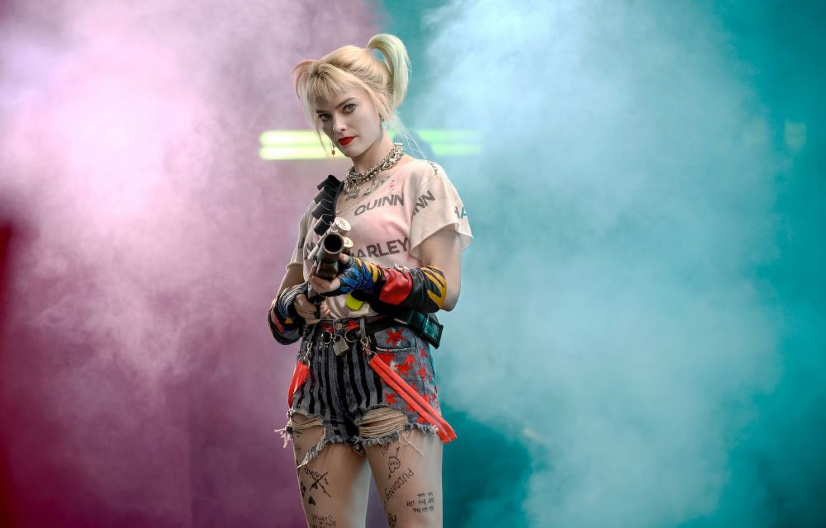 Harley Quinn (Margot Robbie) in Birds of Prey and the Fantabulous Emancipation of One Harley Quinn (2020)