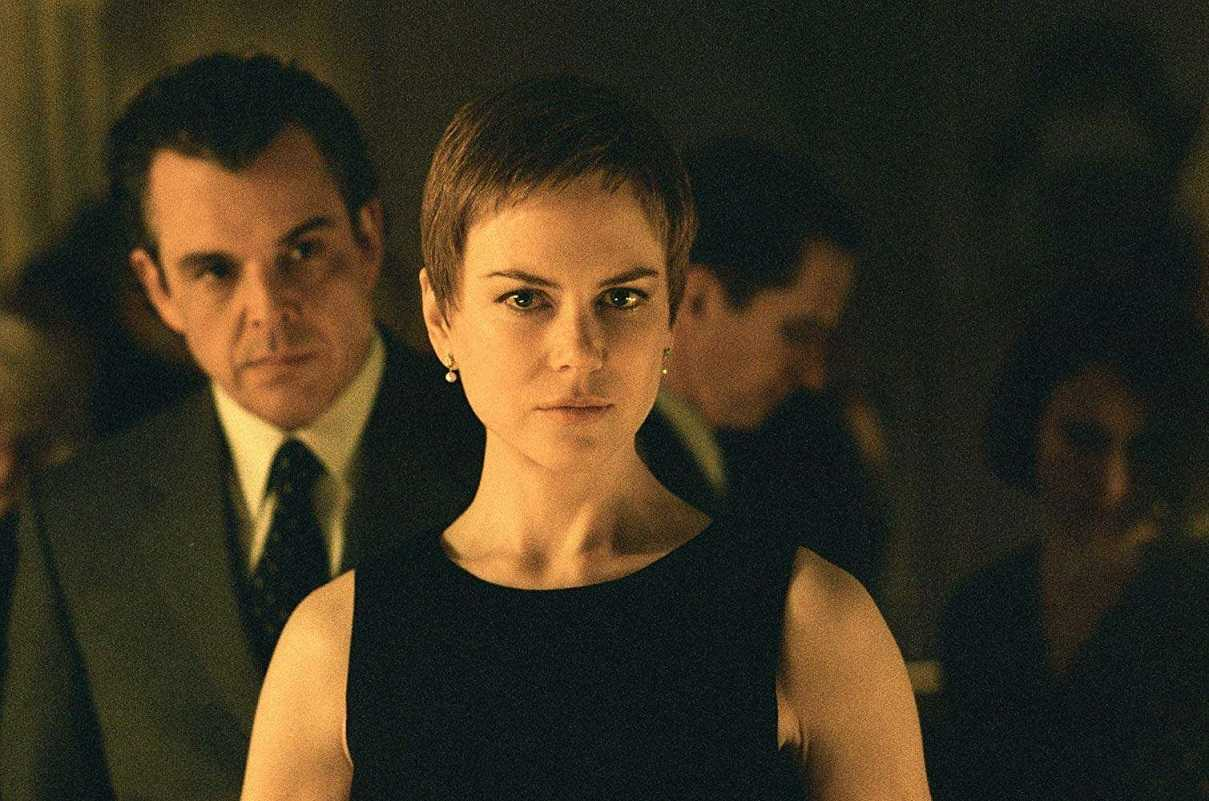 Widow Nicole Kidman with fiance Danny Huston in the background in Birth (2004)