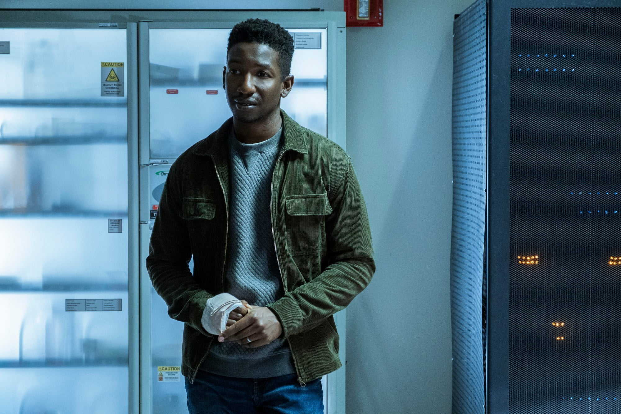 The amnesiac Nolan Wright (Mamoudou Athie) in Black Box (2020)
