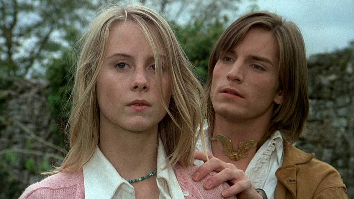 Cathryn Harrison and Joe Dallesandro in Black Moon (1975)