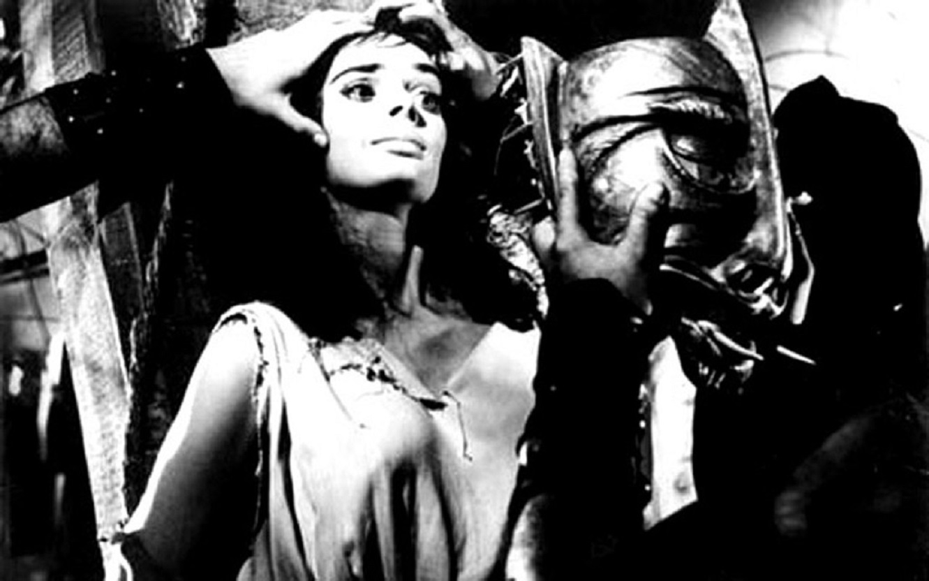 Princess Asa (Barbara Steele) has the Mask of Satan hammered onto her face in Black Sunday (1960)