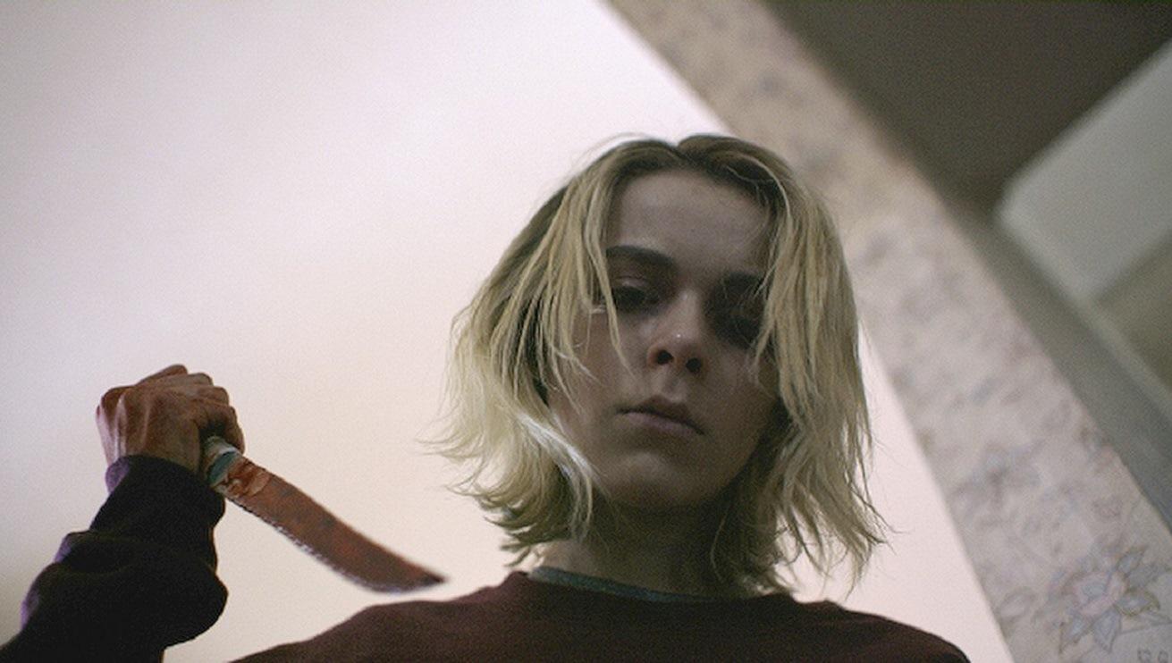 Kiernan Shipka with knife in The Blackcoat's Daughter (2015)
