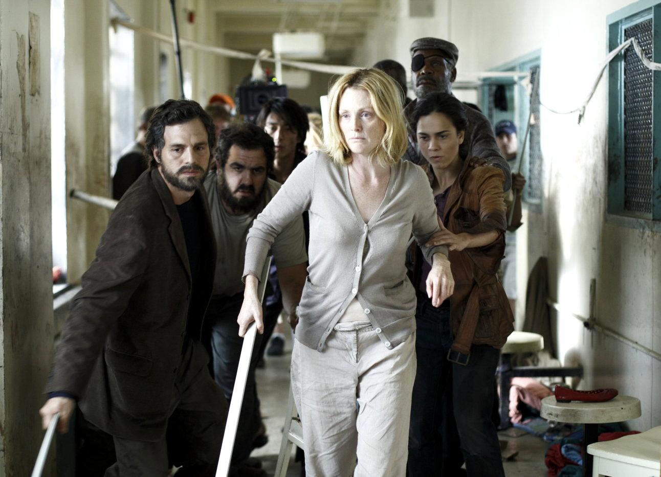 Mark Ruffalo, Julianne Moore, Alice Braga in Blindness (2008)