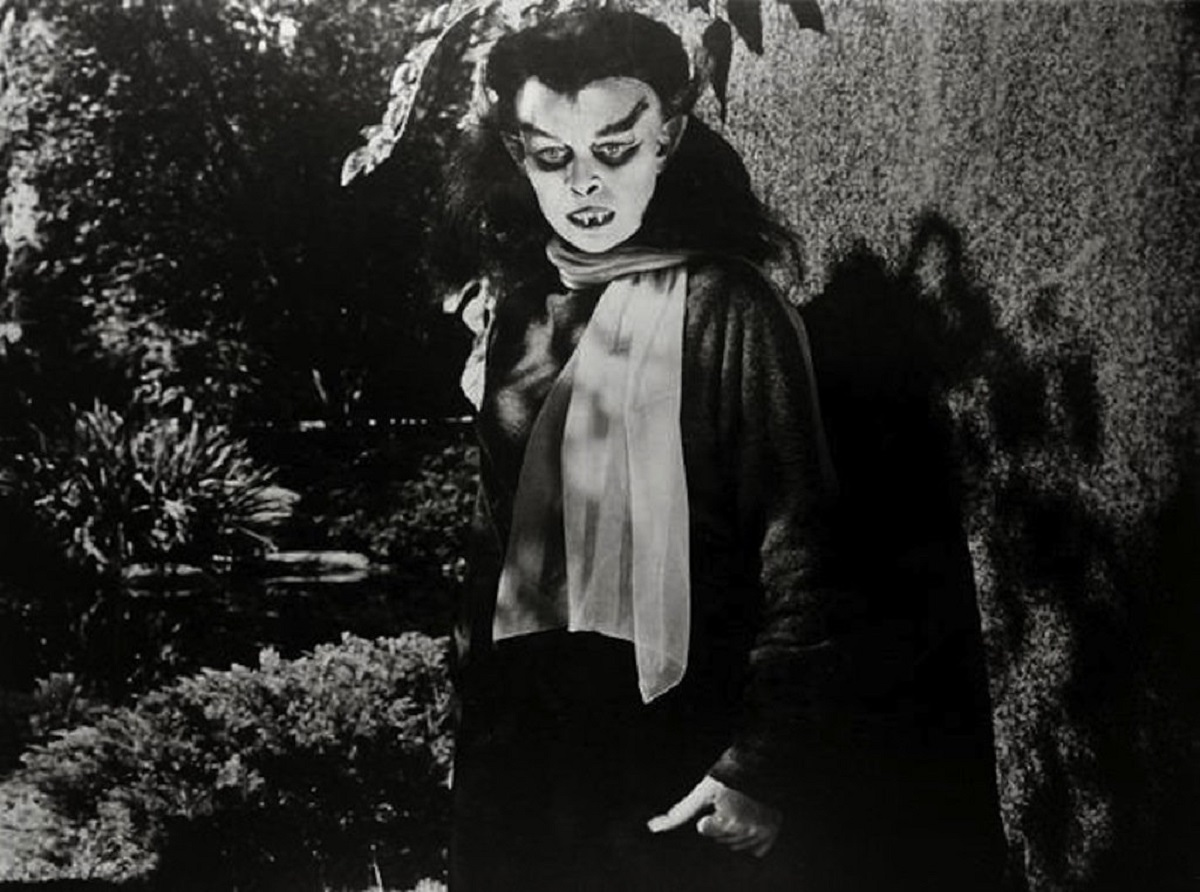 Sandra Harrison as the vampire creature in Blood of Dracula (1957)