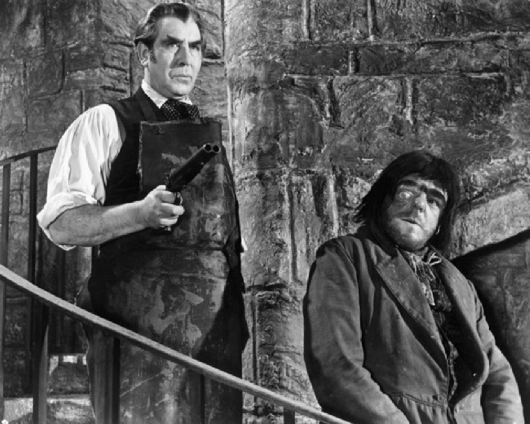 (l to r) Dr Callistratus (Donald Wolfit) and Victor Maddern as the hunchback Carl in Blood of the Vampire (1958)