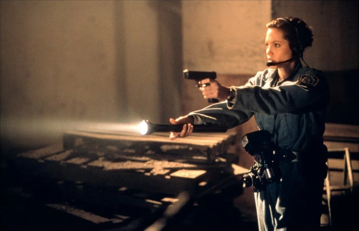 Angelia Jolie as Amelia Donaghy in The Bone Collector (1999)as Amelia Donaghy