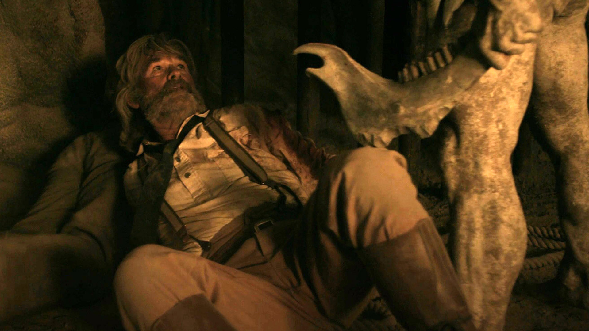Kurt Russell under attack by Troglodyte in Bone Tomahawk (2015)