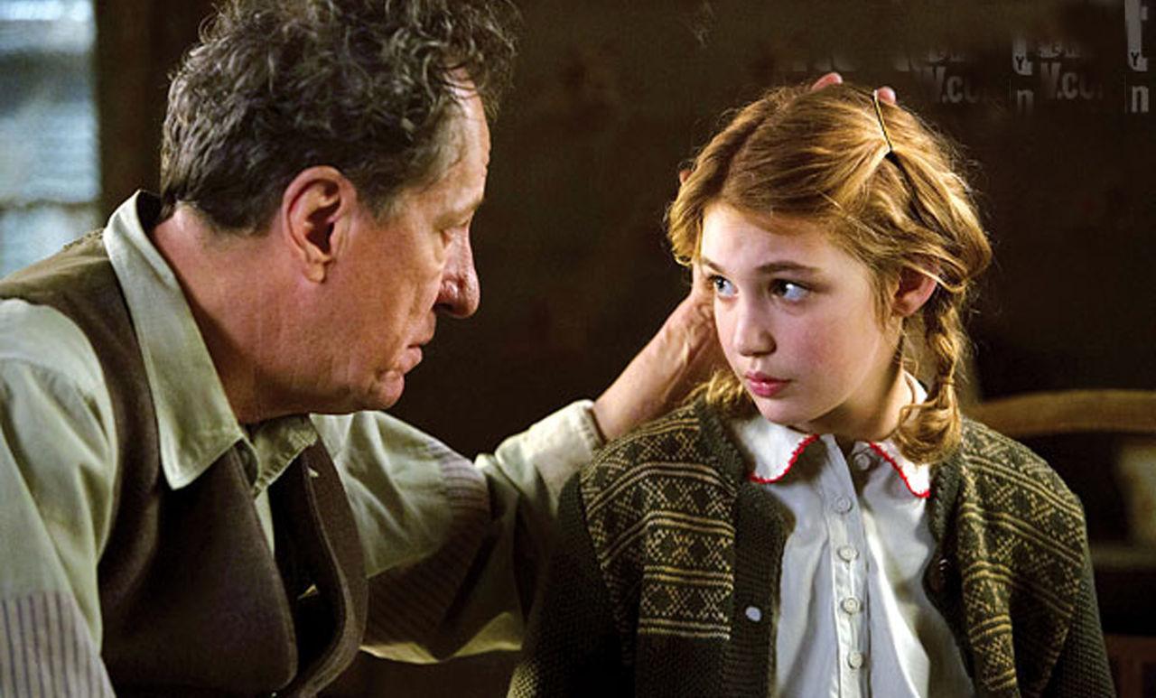 Hans Hubermann (Geoffrey Rush) and Liesel Meminger (Sophie Nélisse) in The Book Thief (2013)