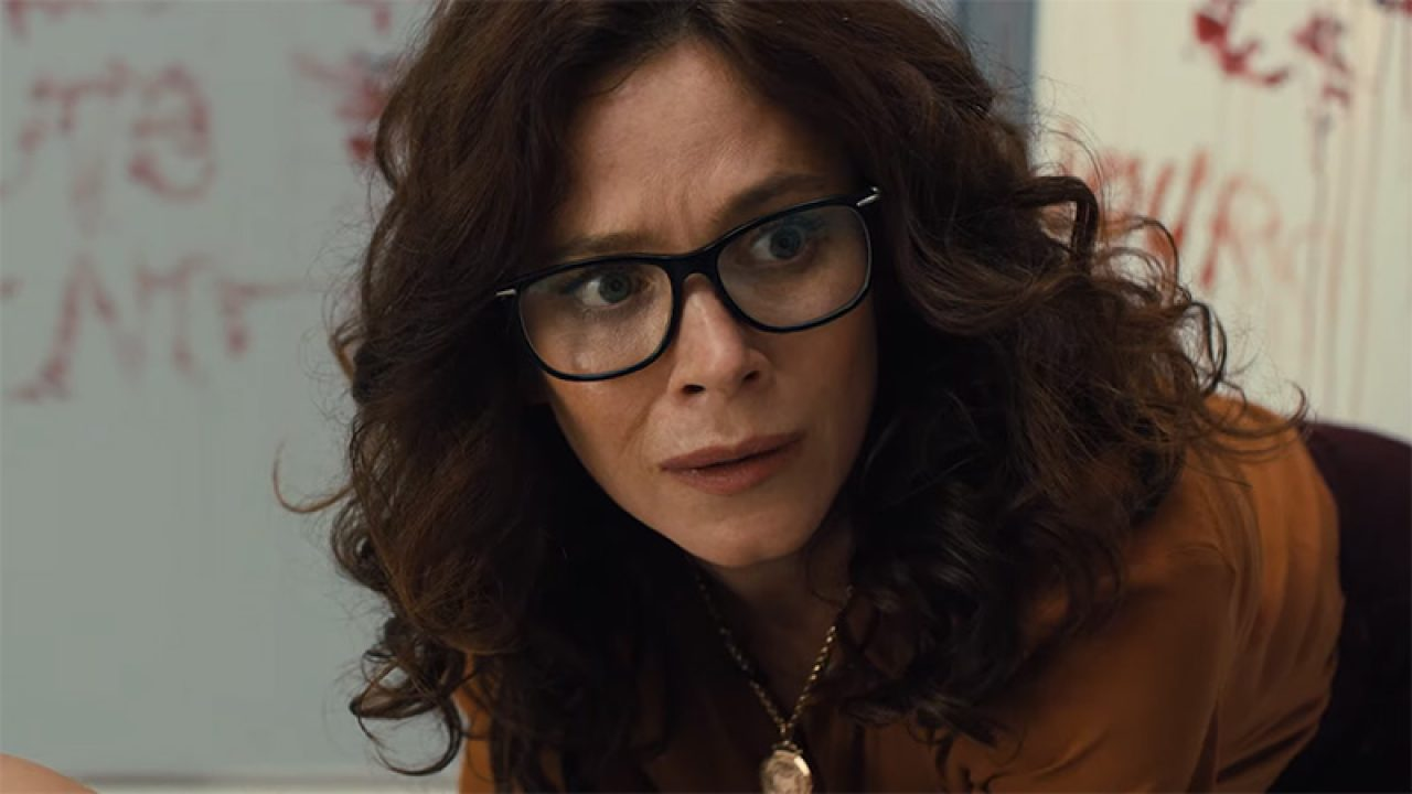 Anna Friel as Professor Mary Floresky in the Miles episode of Books of Blood (2020)