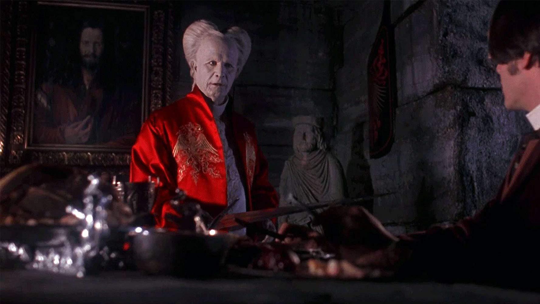 (l to r) Count Dracula (Gary Oldman) greets Jonathan Harker (Keanu Reeves) in Bram Stoker's Dracula (1992)