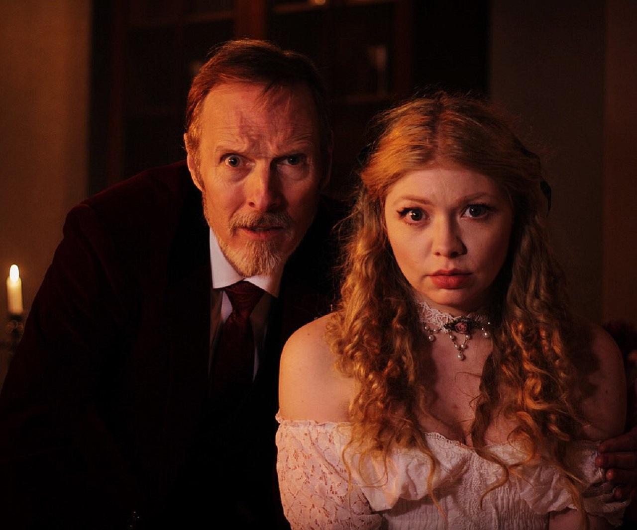 Van Helsing (Mark Topping) and Lucy Westenra (Charlie Bond) in Bram Stoker's Van Helsing (2021)
