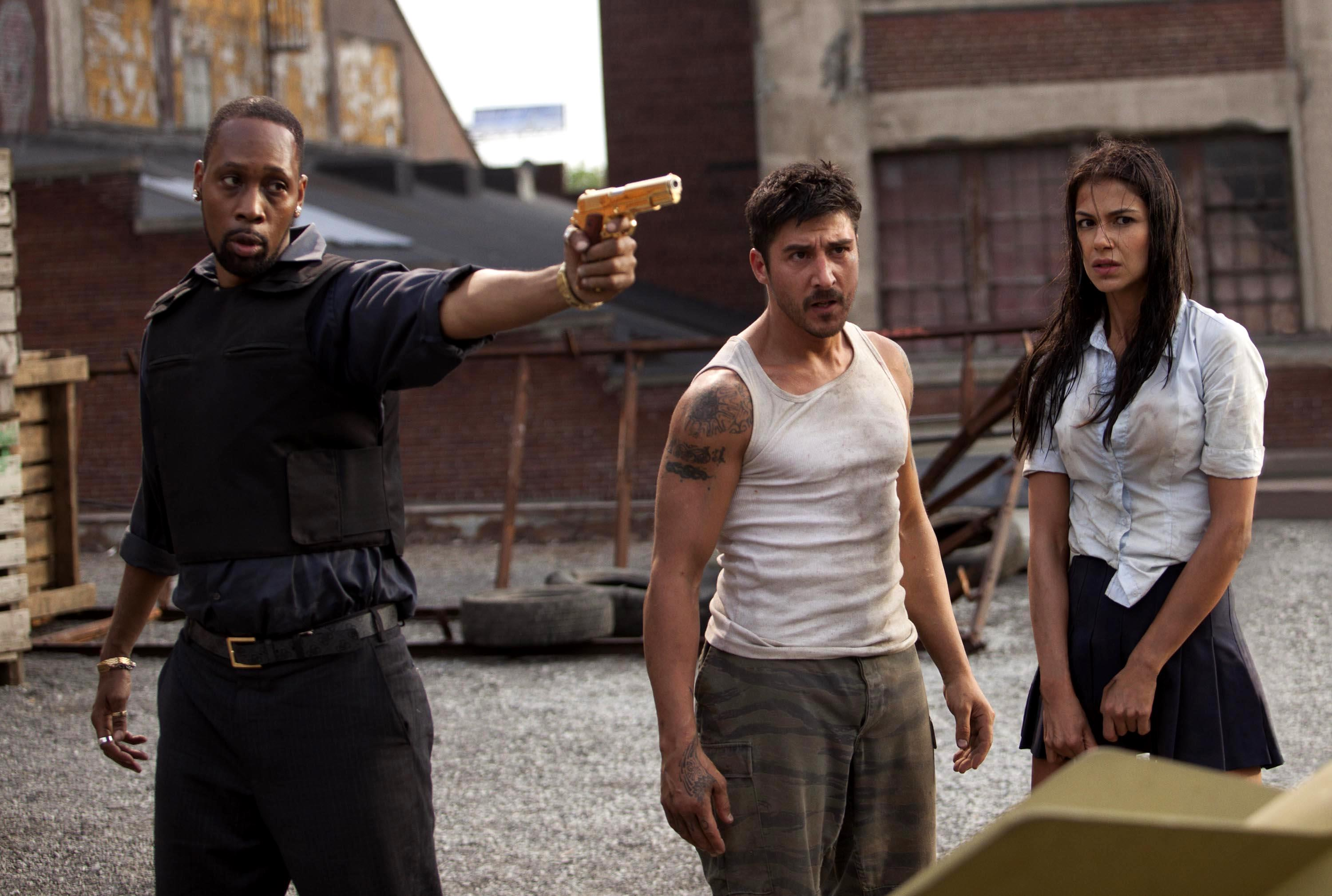 (l to r) Gang leader RZA, David Belle and girlfriend Catalina Denis in Brick Mansions (2014)