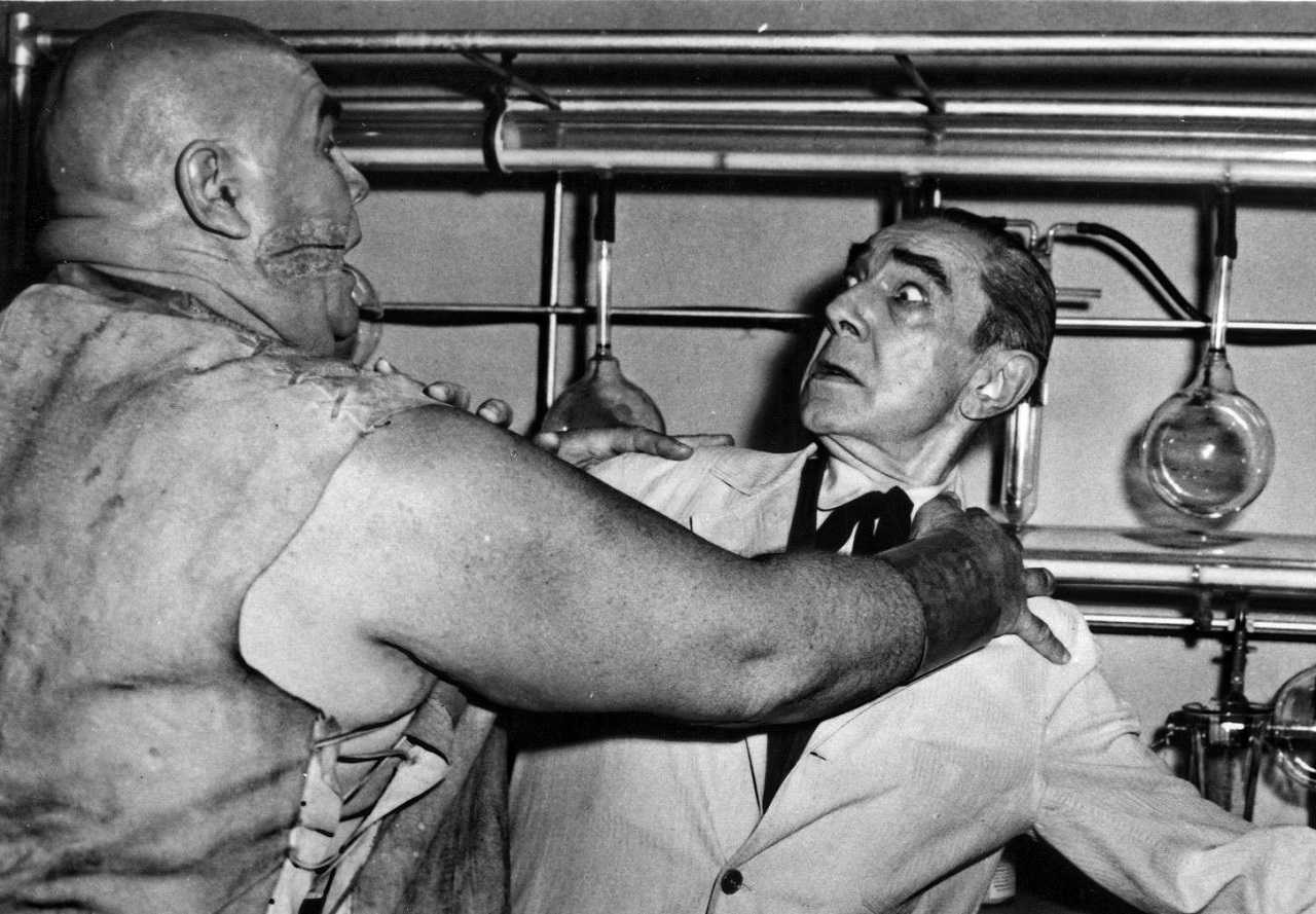 Mad scientist Dr Eric Vornoff (Bela Lugosi) under attack by his assistant Lobo (Tor Johnson) in Bride of the Monster (1955)