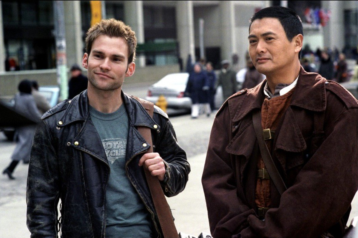(l to r) Kar (Seann William Scott) and the Monk With No Name (Chow Yun Fat) in Bulletproof Monk (2003)