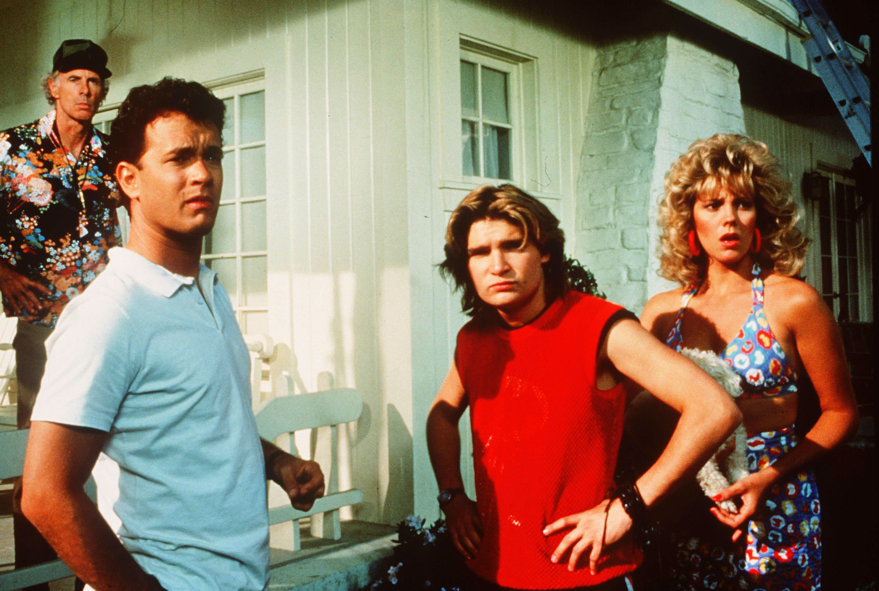 Neighbours (l to r) Bruce Dern, Tom Hanks, Corey Feldman and Wendy Schaal become concerned about the new people moved in in The 'Burbs (1989)