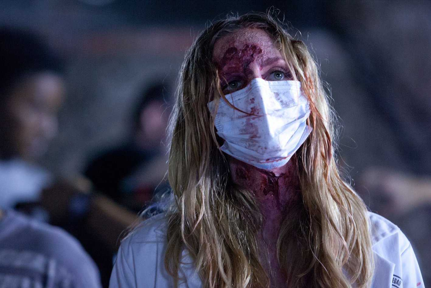 An infected Lydia Hearst in Cabin Fever: Patient Zero (2014)