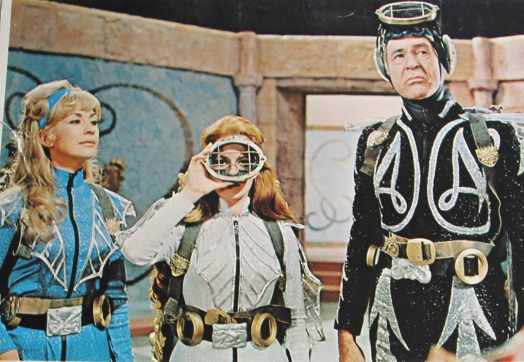 Captain Nemo (Robert Ryan) with Nanette Newman and Lucianna Paluzzi in Captain Nemo and the Underwater City (1969) 4