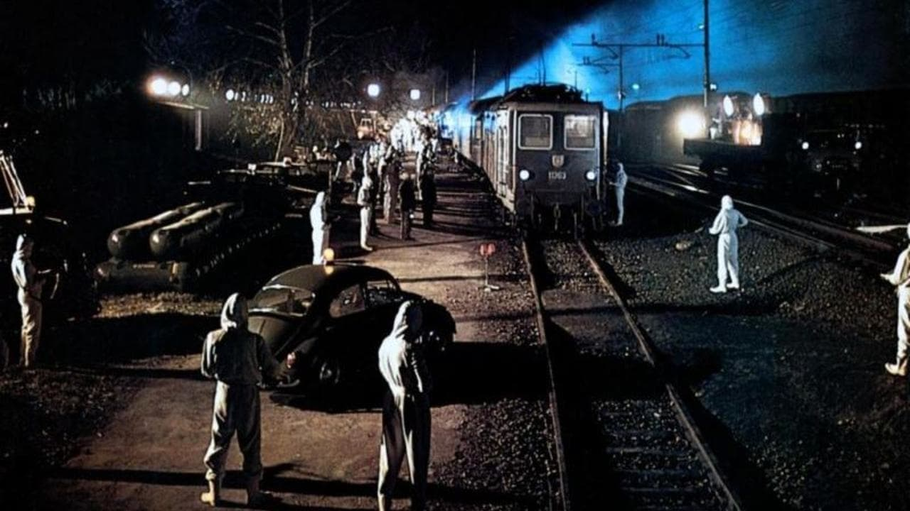 The authorities try to contain the plague-infected train in The Cassandra Crossing (1976)