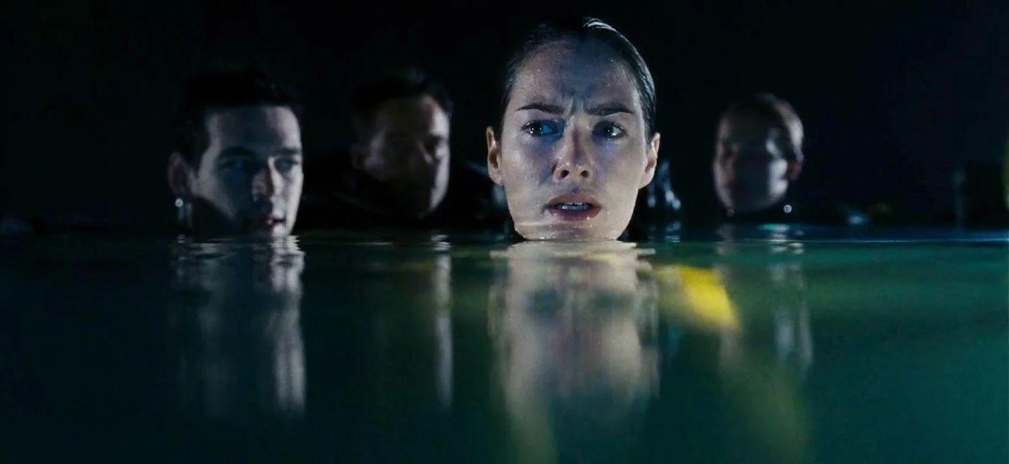 Eddie Cibrian, Rick Ravanello, Lena headey and Piper Perabo in The Cave (2005)