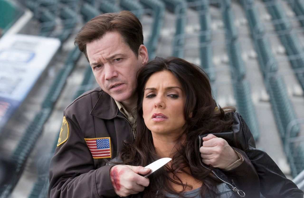 The psychic Maya (Tessie Santiago) threatened by Frank Whaley in The Cell 2 (2009)