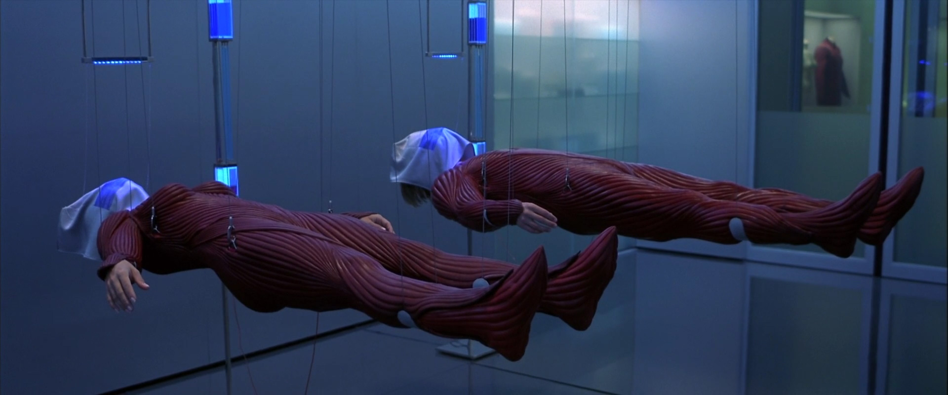 The device allowing people to enter the dreams in The Cell (2000)