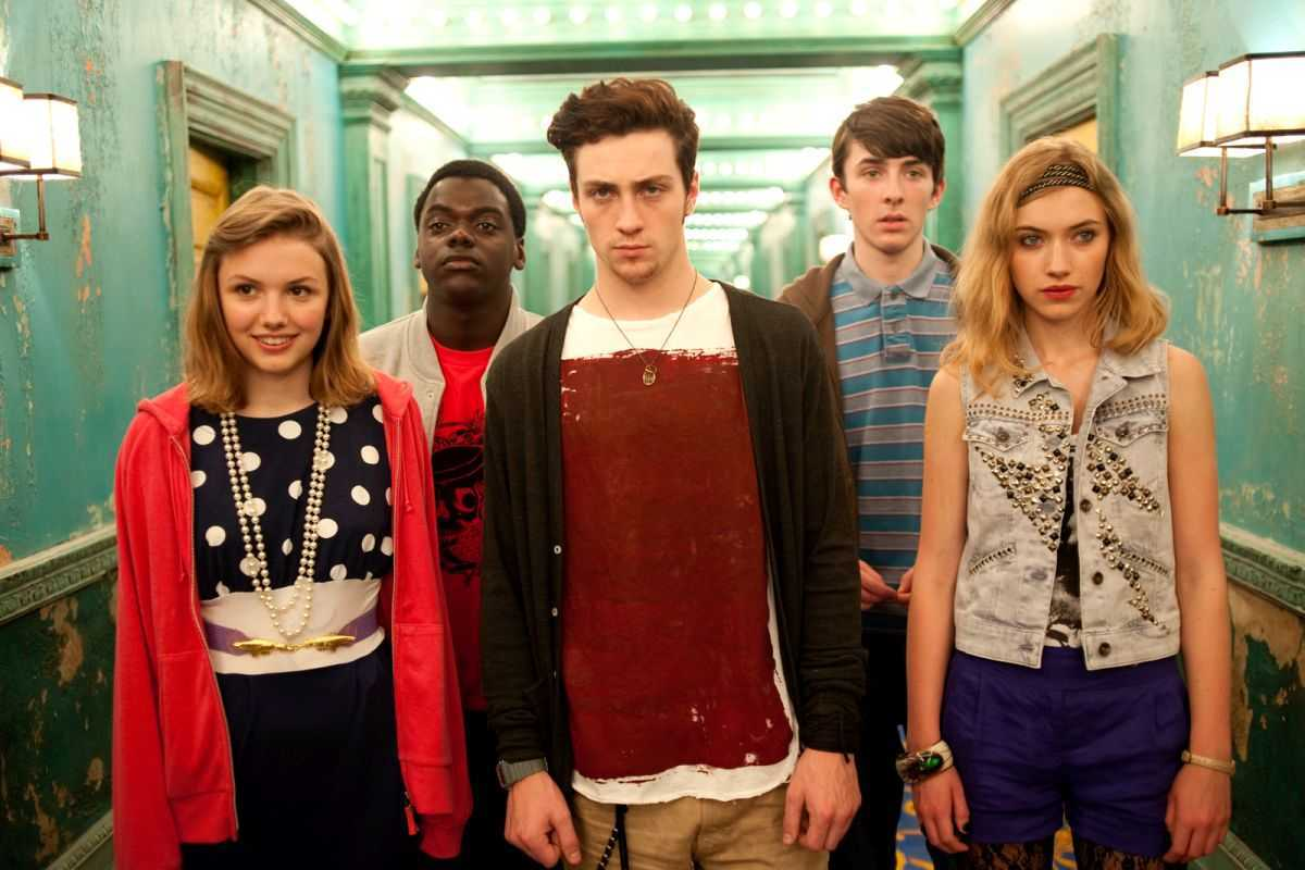 Character line-up - (l to r) Hannah Murray, Daniel Kaluuya, Aaron Johnson, Matthew Beard and Imogen Poots in Chatroom (2010)