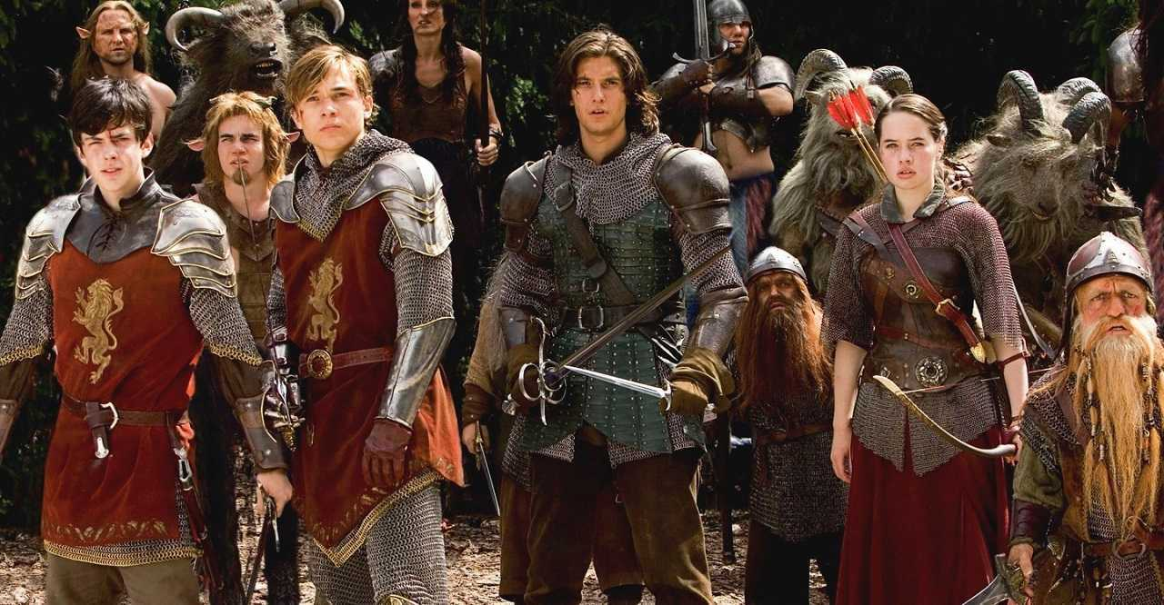 Edmund (Skandar Keynes), Peter (William Moseley), Prince Caspian (Ben Barnes), Nikabrik (Warwick Davis), Susan (Anna Popplewell) and Trumpkin (Peter Dinklage) in The Chronicles of Narnia: Prince Caspian (2008