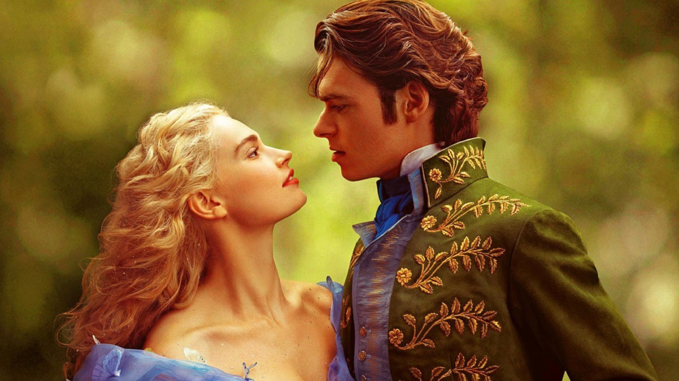 Cinderella (Lily James) and Prince Charming (Richard Madden)
