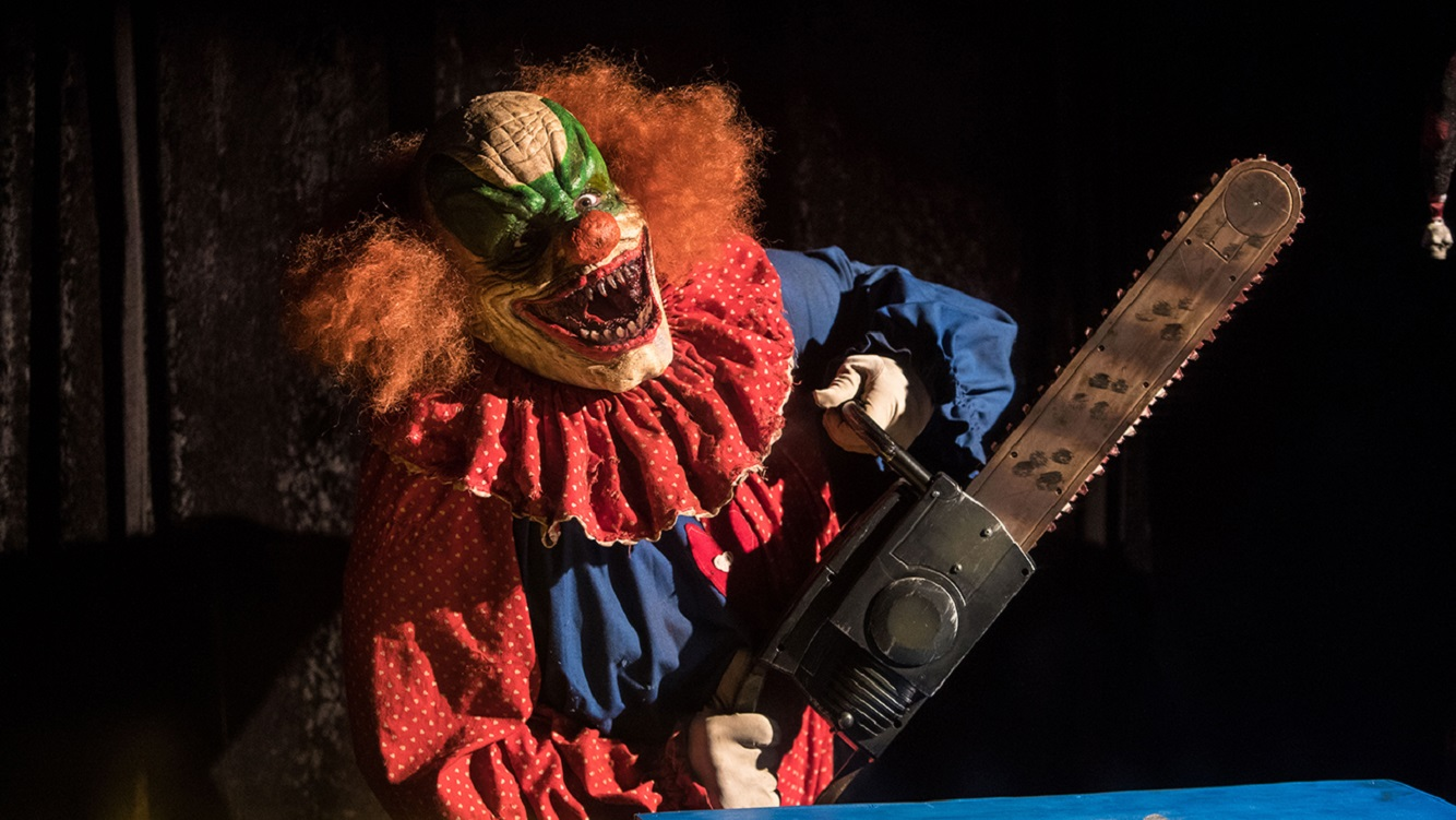 Clown with chainsaws from Circus Kane (2017)
