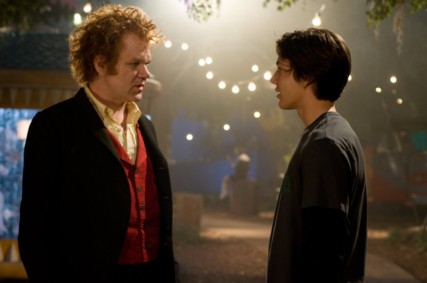 The vampire Larten Crepsley (John C. Reilly) takes on Darren Shan (Chris Massoglia) as his assistant in Cirque du Freak: The Vampire's Assistant (2009)
