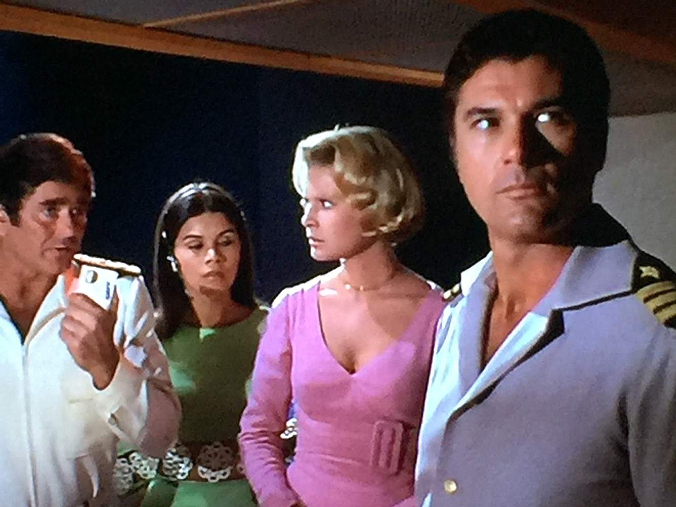 Admiral Mike Matthews (Stuart Whitman), Susan Miranda, Rosemary Forsyth and Robert Colbert in City Beneath the Sea (1971)