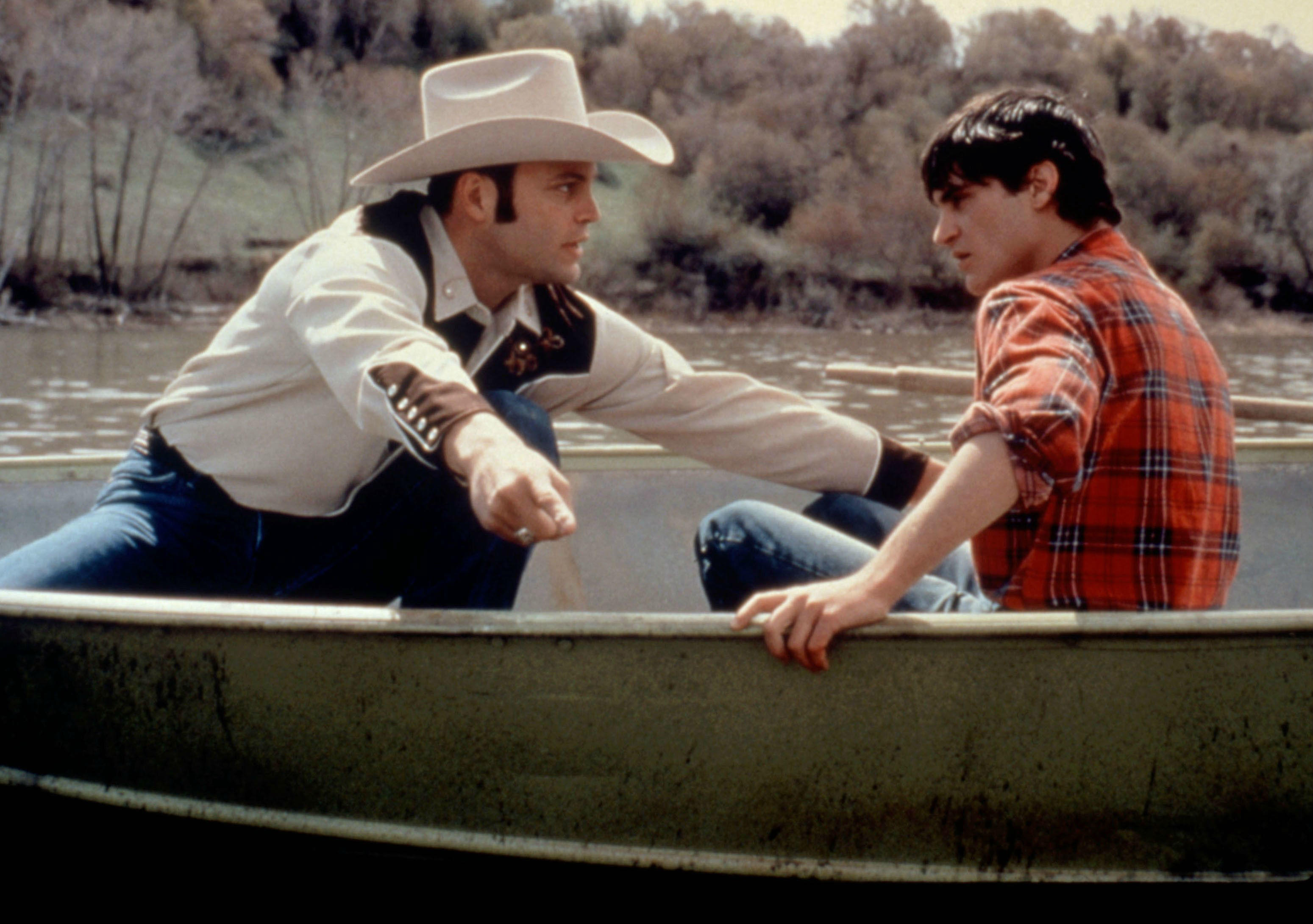 Vince Vaughn and Joaquin Phoenix go fishing in Clay Pigeons (1998)