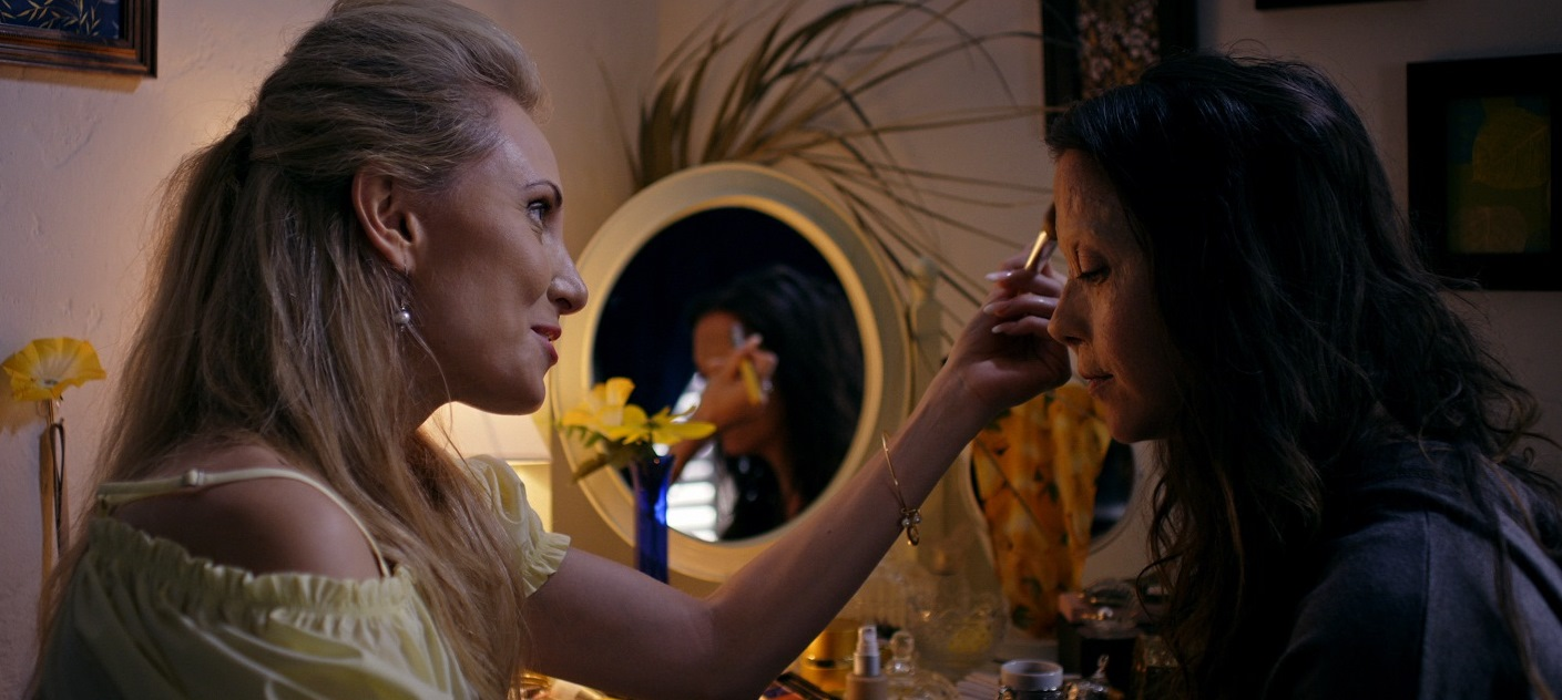 Alexis Kendra gives Rachel Alig a makeover in The Cleaning Lady (2018)