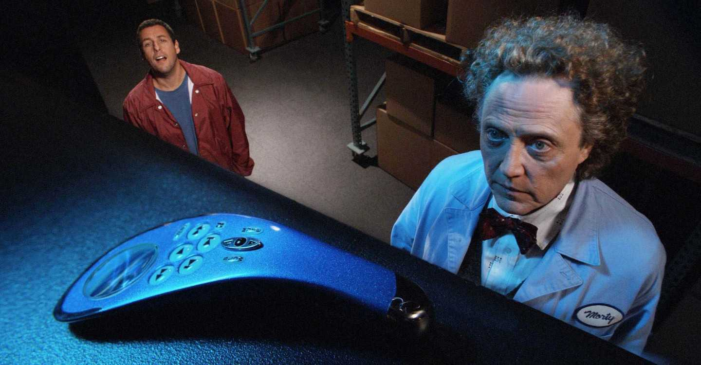 Michael Newman (Adam Sandler) is given the remote control by Morty (Christopher Walken) in Click (2006)