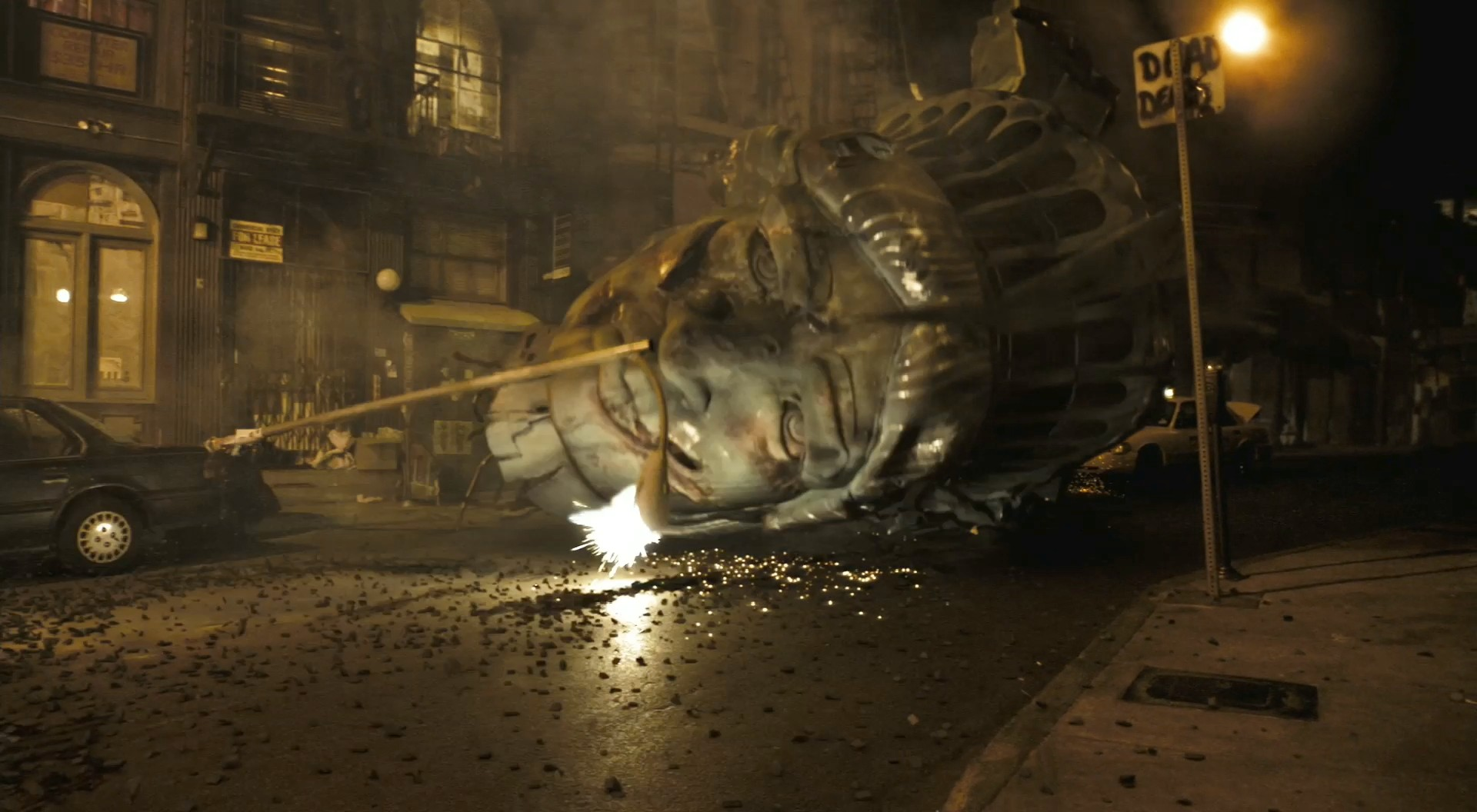 The severed head of the Statue of Liberty in Cloverfield (2008)