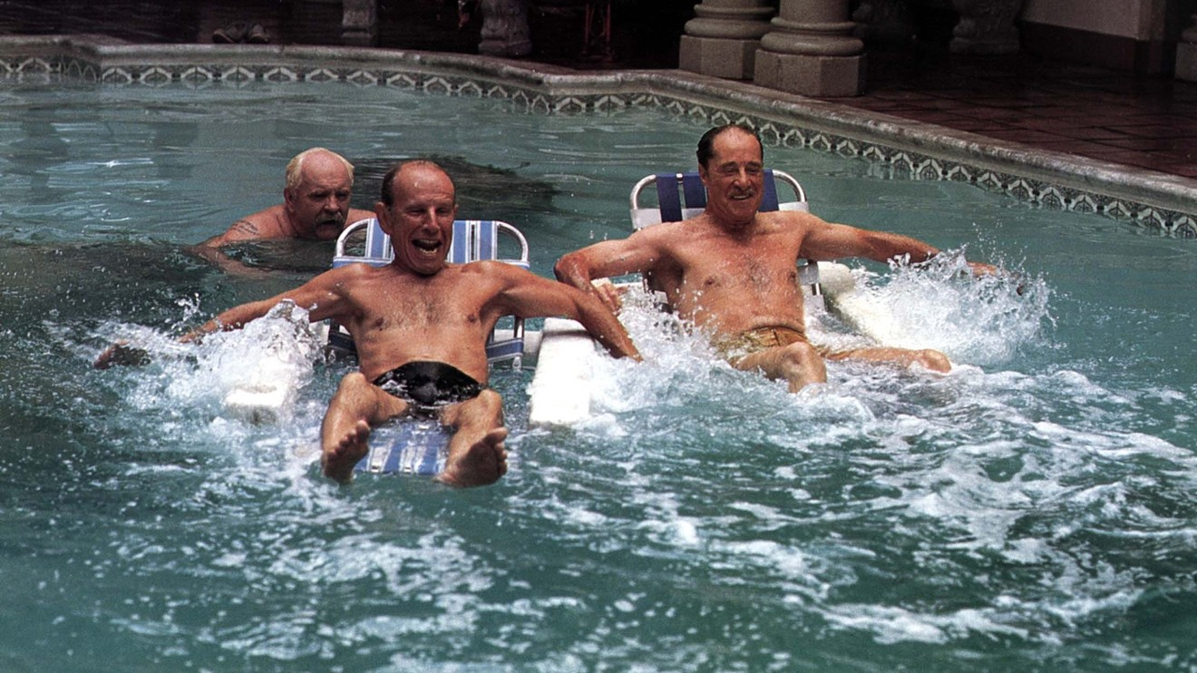 Seniors being rejuvenated in the swimming pool - Wilford Brimley, Hume Cronyn and Don Ameche in Cocoon (1985)