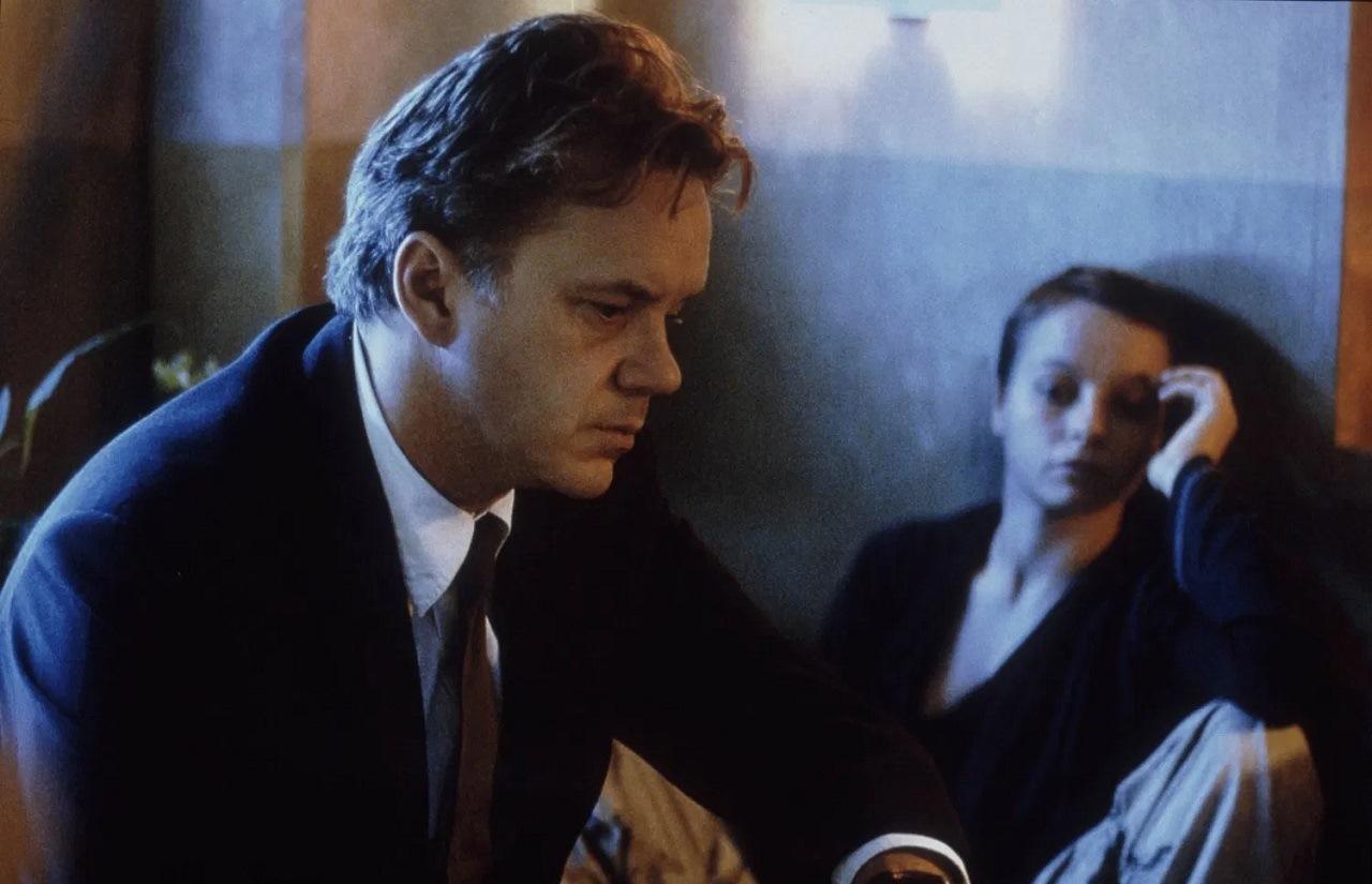 Forbidden love - Tim Robbins and Samantha Morton in Code 46 (2003)