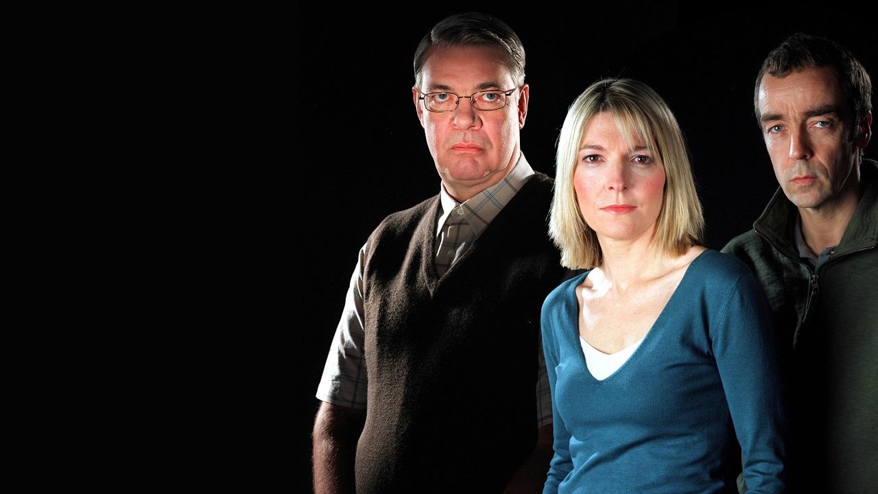 Serial killer Brian Wicklow (Matthew Kelly), Detective-Inspector Eve Granger (Jemma Redgrave) and Jake Osbourne (John Hannah) in Cold Blood (2005-6)