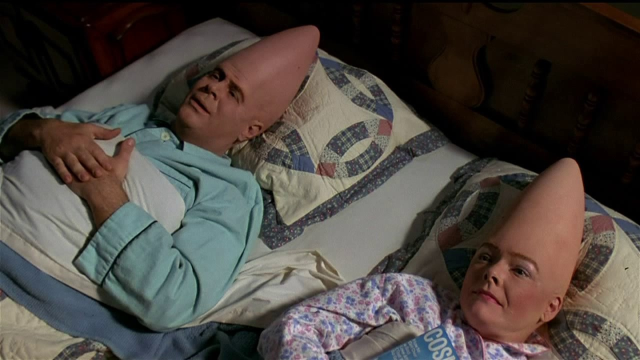 Dan Aykroyd and Jane Curtin in Coneheads (1993)