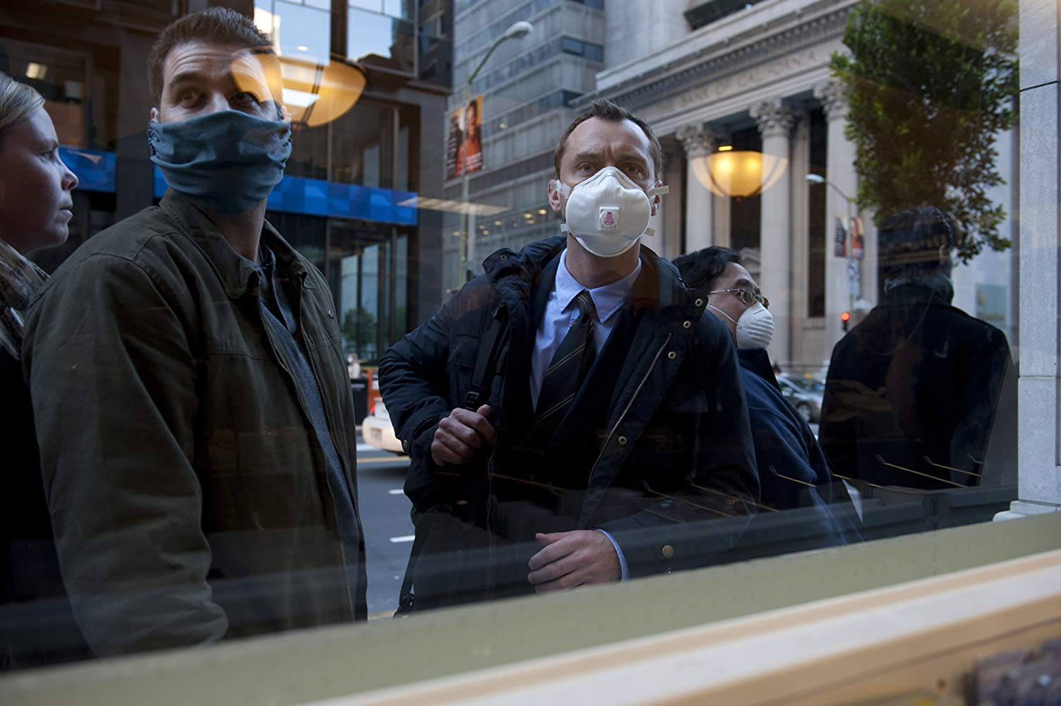 Jude Law at the centre of a plague outbreak in Contagion (2011)