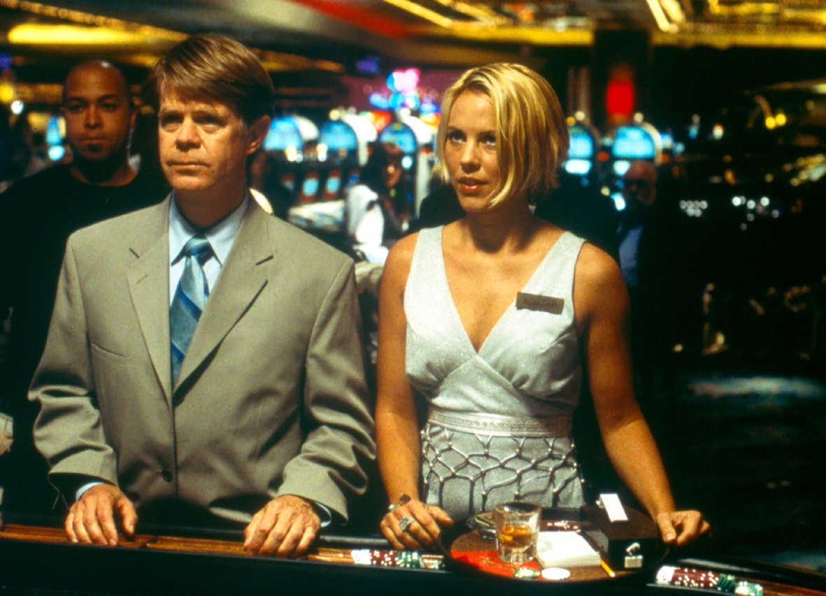 Bernie Lootz (William H. Macy) at the gaming tables along with Maria Bello in The Cooler (2003)