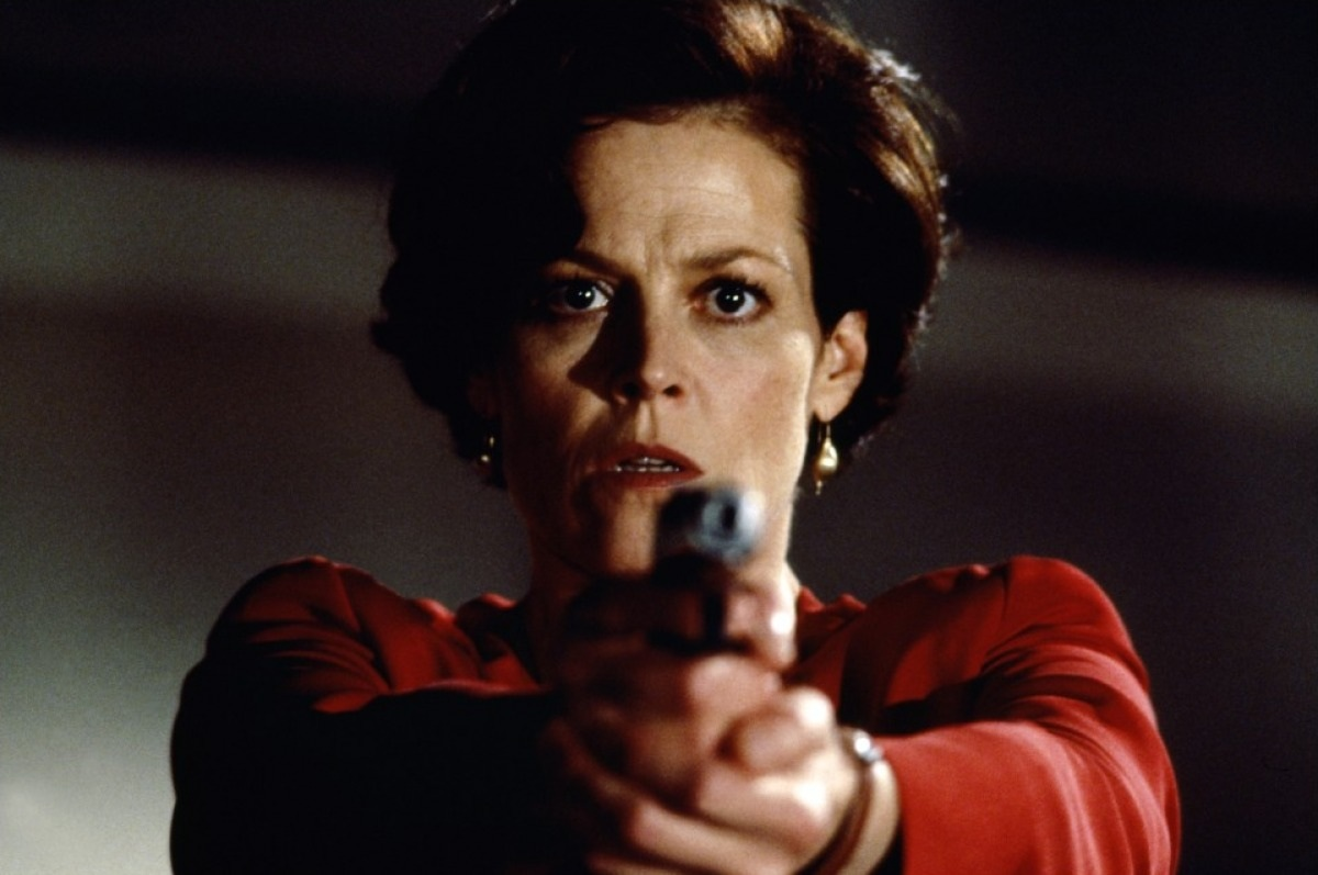 Sigourney Weaver in Copycat (1995)