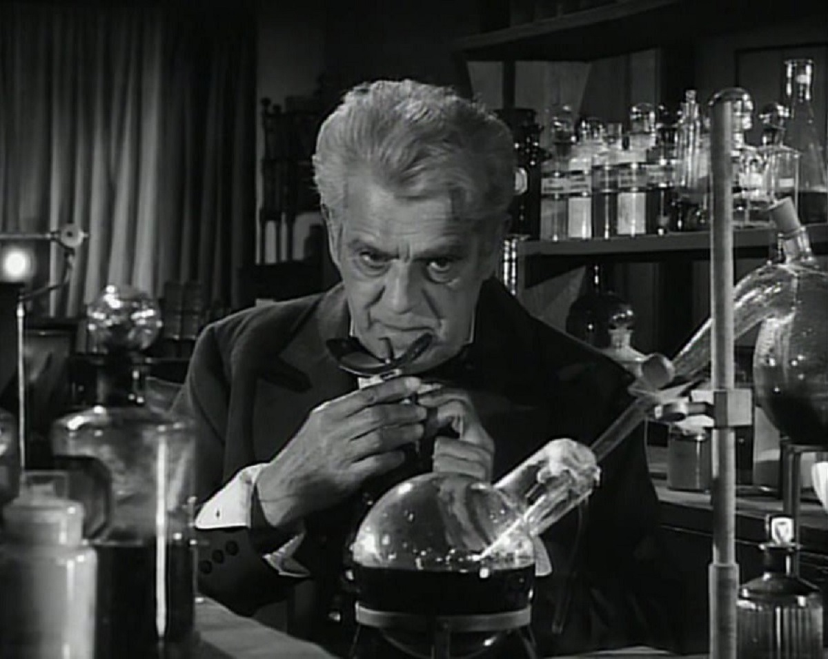 Boris Karloff as surgeon  Thomas Bolton addicted to his own experimental anaesthetic in Corridors of Blood (1958)