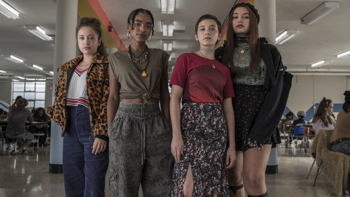 (l to r) Gideon Adlon, Lovie Simone, Cailee Spaeny and Zoey Luna in The Craft: Legacy (2020)