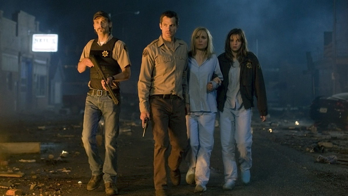 Joe Anderson, Timothy Olyphant, Radha Mitchell, Danielle Panabaker in The Crazies (2010)