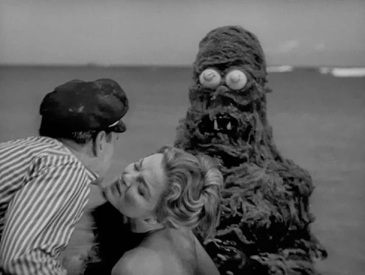 Anthony Carbone, Betsy Jones-Moreland and the sea monster in Creature from the Haunted Sea (1961)